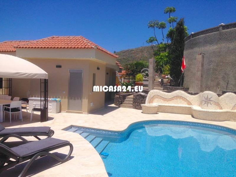 NH2 - Villa in El Sauzal